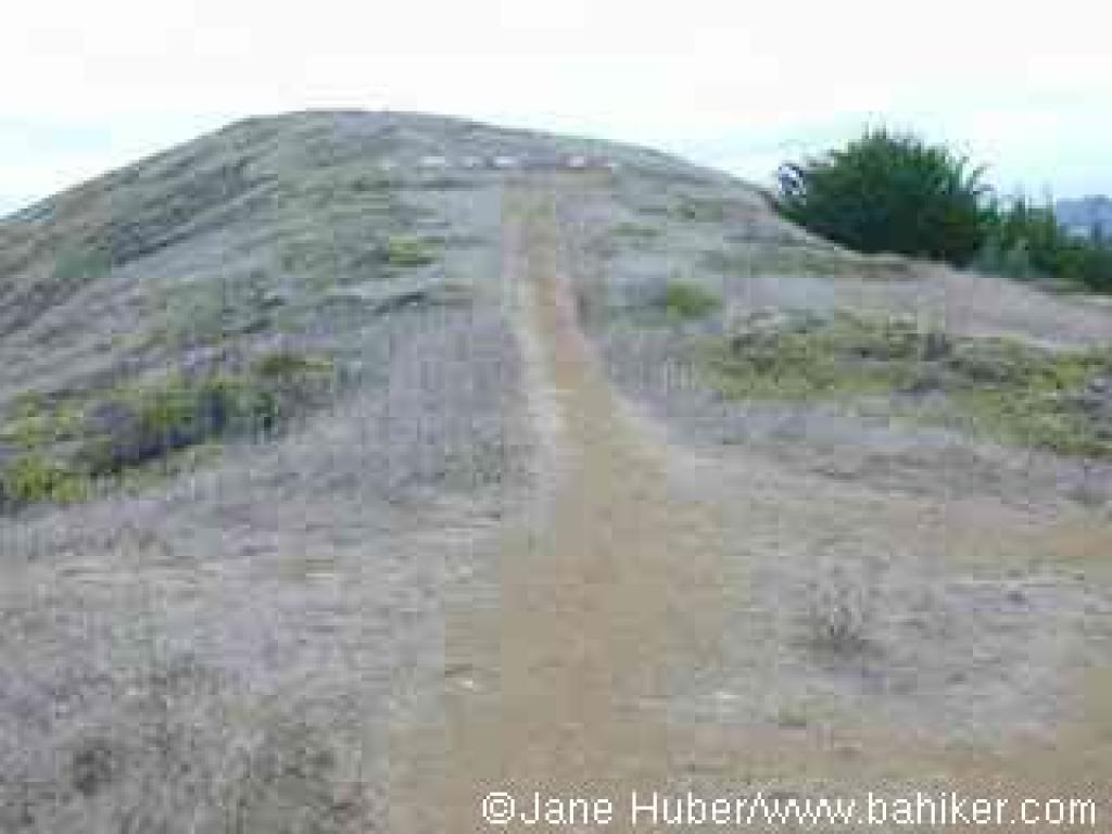 Path to Mori Point's highest hill